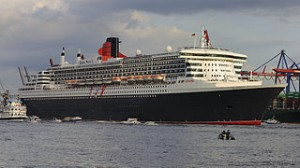 Queen Mary 2 im Hamburger Hafen (2011), Foto: DerHexer