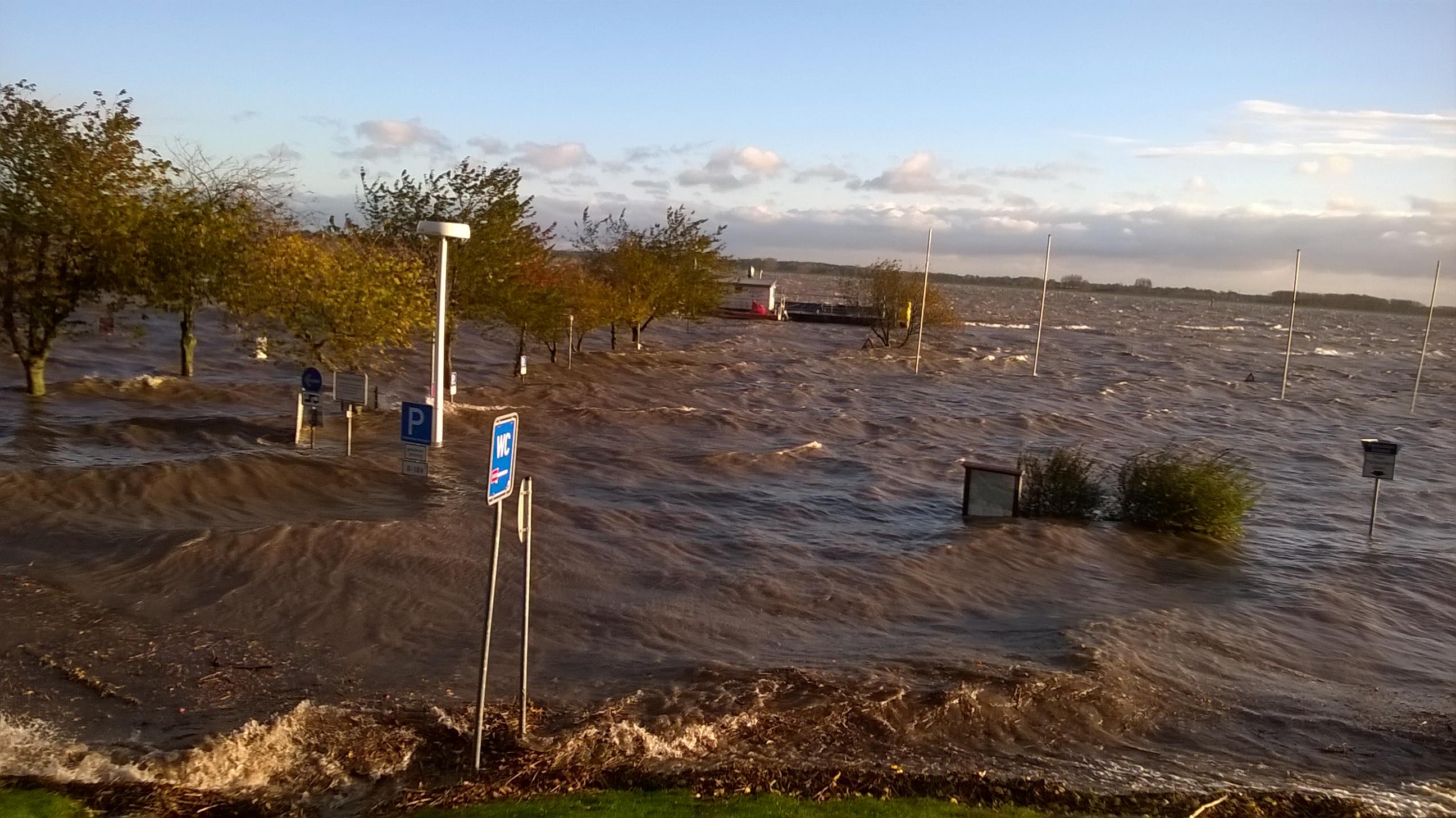 Sturm, Elbe, Lüheanleger, Flut, Sturmflut